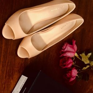 Brand new Cole Haan pump, size 8, nude leather